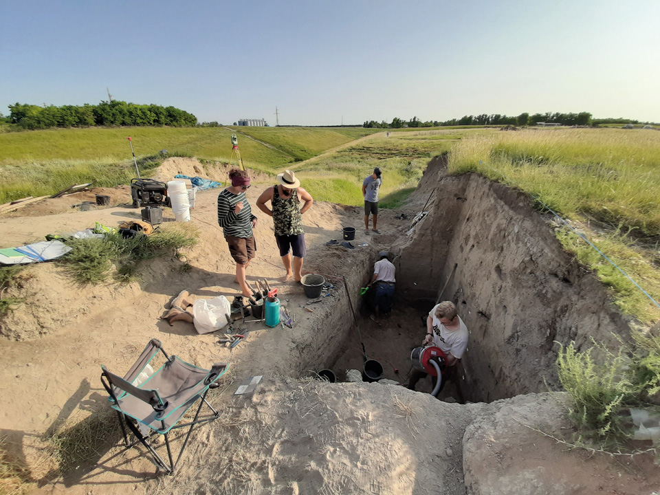 Archaeological excavations worldwide like in Sultana, Romania, document the state of societies and the environment over millennia