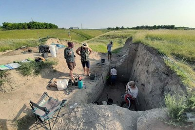 Excavation in one trench on the settlement mound Sultana